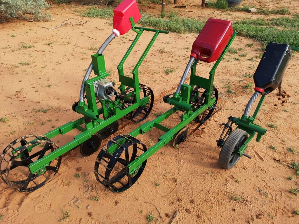 Smart tools for African Farmers are being made by Backsavers